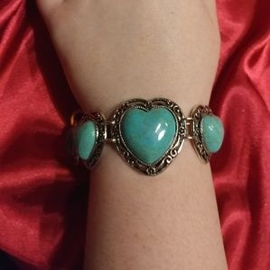 Beautiful silver and turquiose heart bracelet